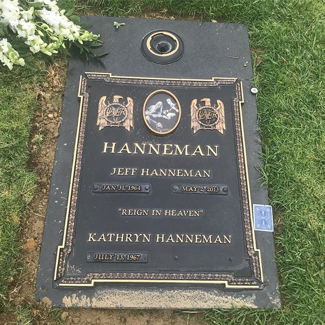 Seemed only fitting to go and visit Jeff Hanneman's grave
