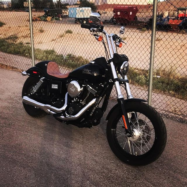 It's Friday and I rode the Dyna to work! Let's