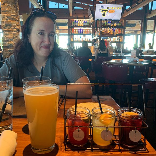 Dinner out with the wifey @sunnshine77, having some refreshments before the food arrives!